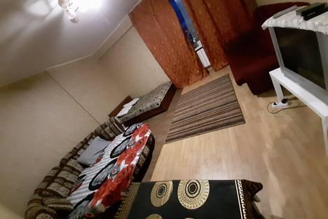 Сдается 1-комнатная квартира посуточно, Пехотинцев 3/4.
