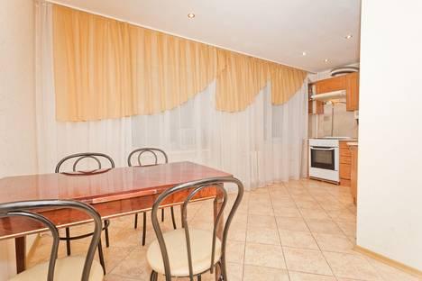 Сдается 3-комнатная квартира посуточнов Кстове, улица Ильинская, 149.