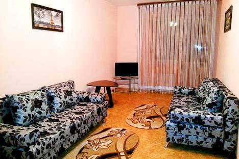 Сдается 3-комнатная квартира посуточно в Тобольске, область,15 микрорайон, д.29.