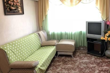 Сдается 2-комнатная квартира посуточно в Волгодонске, улица Горького, 100.