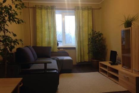 Сдается 2-комнатная квартира посуточно в Днепре, Тополь 2, дом 3.