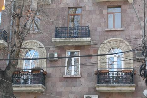 Сдается 2-комнатная квартира посуточно в Ереване, ул. Туманяна, 34.