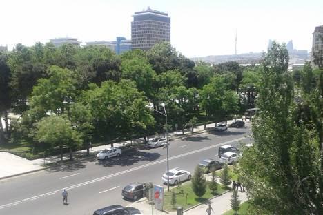 Сдается 2-комнатная квартира посуточно в Баку, 28 Мая.
