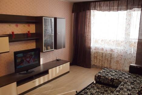 Сдается 2-комнатная квартира посуточно в Верхней Салде, улица Карла Маркса, 75.