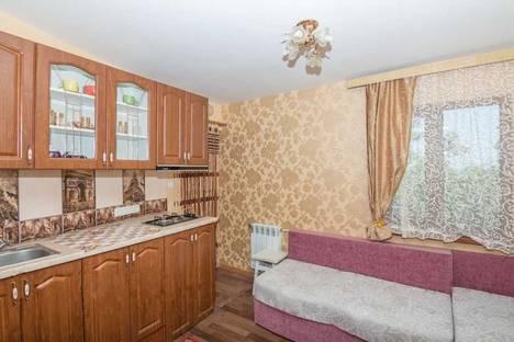 Сдается 2-комнатная квартира посуточно в Симеизе, ул. Коцюбинского 1.