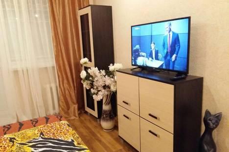 Сдается 1-комнатная квартира посуточнов Энгельсе, Пролетарская 2.