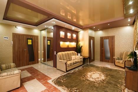Сдается 3-комнатная квартира посуточно в Кишиневе, Moldova,Strada Ștefan cel Mare 64.