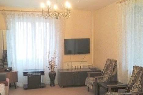 Сдается 2-комнатная квартира посуточно в Дзержинском, улица Лермонтова, 19.