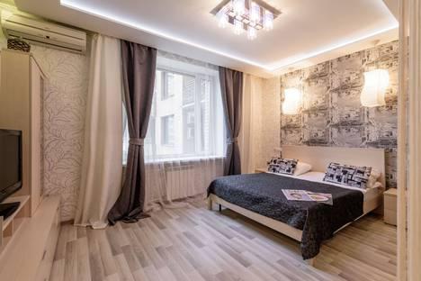 Сдается 1-комнатная квартира посуточно в Санкт-Петербурге, Дивенская улица дом 5.
