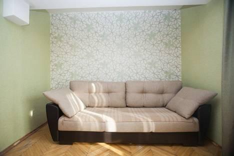 Сдается 2-комнатная квартира посуточно в Москве, Качалинская улица, 9.