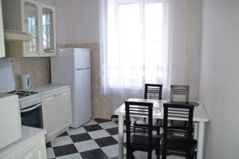 Сдается 2-комнатная квартира посуточно в Магнитогорске, проспект Ленина, 36.