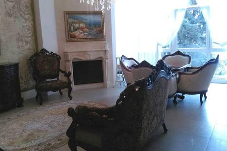 Сдается 2-комнатная квартира посуточно в Гурзуфе, набережная им.Пушкина,5 б.