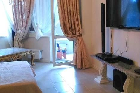 Сдается 1-комнатная квартира посуточно в Гурзуфе, набережная им.Пушкина, 5б.