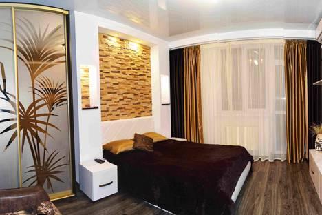 Сдается 1-комнатная квартира посуточнов Угловом, 29 улица Челнокова.