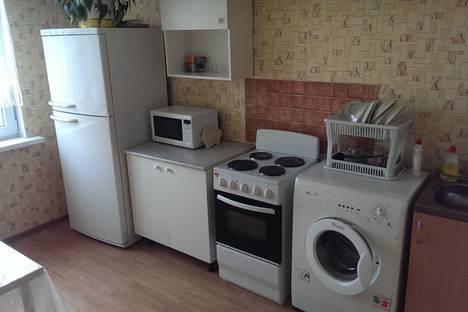 Сдается 2-комнатная квартира посуточнов Гатчине, Ростовская улица, 14-16.