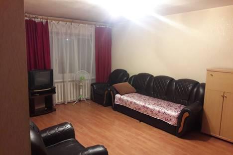 Сдается 2-комнатная квартира посуточнов Тулуне, ул. Островского, 2.