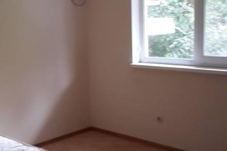 Сдается 1-комнатная квартира посуточно в Сочи, ул. Серафимовича д.5.