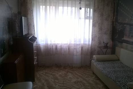 Сдается 2-комнатная квартира посуточнов Климовске, ул. Заводская,  д 8.