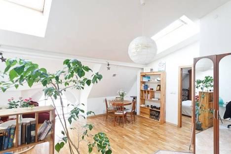 Сдается 1-комнатная квартира посуточнов Санкт-Петербурге, улица Мира, 10.