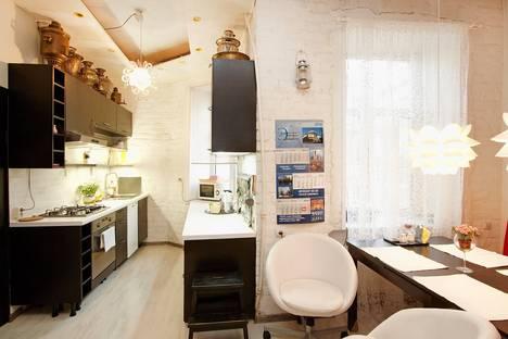 Сдается 2-комнатная квартира посуточнов Санкт-Петербурге, Ул.Графтио 4.