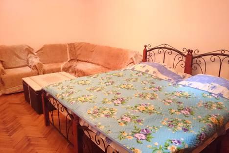 Сдается 3-комнатная квартира посуточнов Гагре, Абазгаа 61/2.