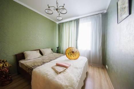 Сдается 2-комнатная квартира посуточнов Саратове, улица Пугачёва Е. И 49а.