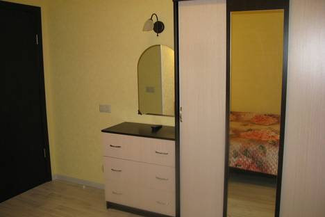 Сдается 2-комнатная квартира посуточно в Дзержинском, улица Угрешская 24.