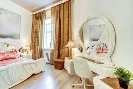 Сдается 2-комнатная квартира посуточно в Санкт-Петербурге, улица Маяковского, 7/27.