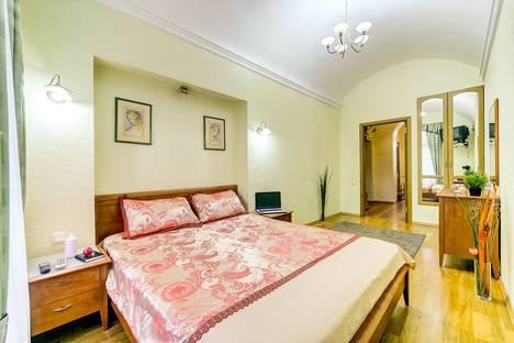 Сдается 2-комнатная квартира посуточнов Санкт-Петербурге, набережная реки Фонтанки, 25.