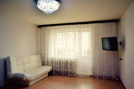 Сдается 2-комнатная квартира посуточно, улица Шевченко 162.