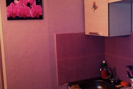 Сдается 1-комнатная квартира посуточно в Апатитах, ул. Строителей, 15.