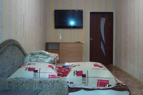 Сдается 2-комнатная квартира посуточно в Алуште, ул. Солнечная 10.