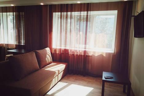 Сдается 1-комнатная квартира посуточнов Каменск-Уральском, улица Кунавина, 10.