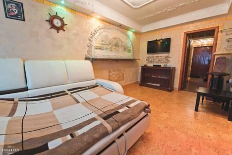 Сдается 1-комнатная квартира посуточнов Саратове, 1-й Магнитный проезд, 8к1.