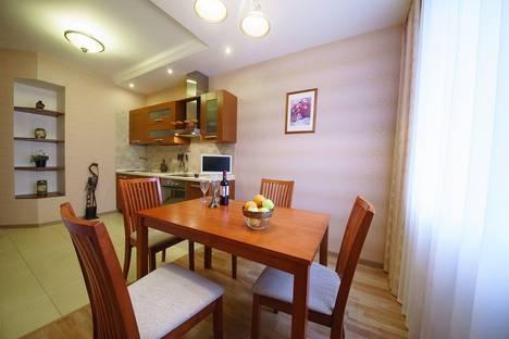 Сдается 1-комнатная квартира посуточнов Саратове, Вольский переулок, 15к2.