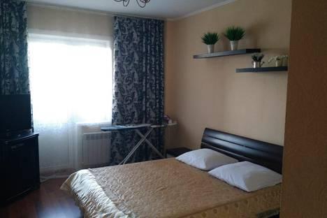 Сдается 2-комнатная квартира посуточно, улица Гамарника, 64.