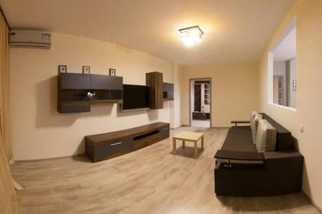 Сдается 2-комнатная квартира посуточно в Киеве, улица Мельникова, 51.
