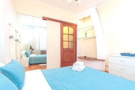 Сдается 2-комнатная квартира посуточно в Москве, Кутузовский проспект, 4/2.