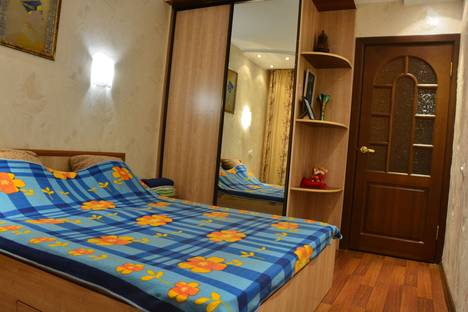 Сдается 2-комнатная квартира посуточнов Черногорске, улица Космонавтов, 39.