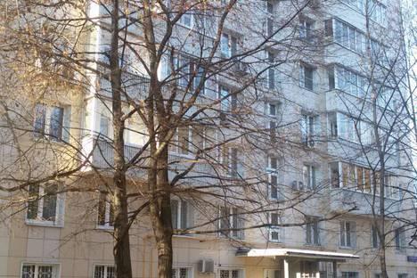 Сдается 2-комнатная квартира посуточнов Железнодорожном, Бутырский Вал улица, д34.
