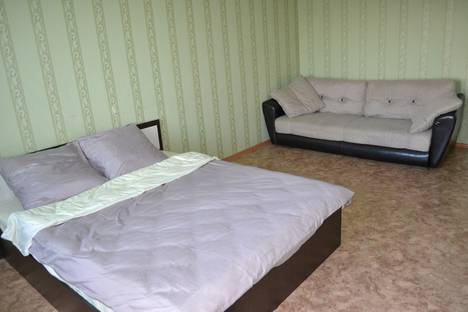 Сдается 1-комнатная квартира посуточнов Энгельсе, улица Тельмана 150/10.