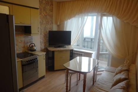 Сдается 2-комнатная квартира посуточно, улица Карла Маркса 99а.