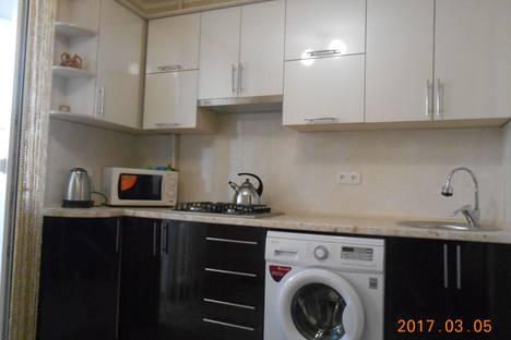 Сдается 2-комнатная квартира посуточно в Саки, ул.Курортная 25.
