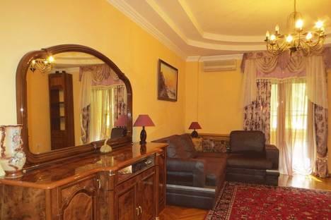 Сдается 3-комнатная квартира посуточно в Севастополе, 22 Большая Морская улица.
