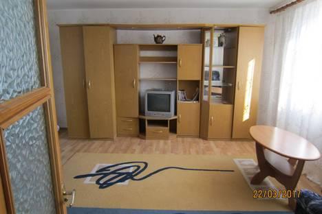 Сдается 3-комнатная квартира посуточно в Ялте, гурзуф, строителей 11.