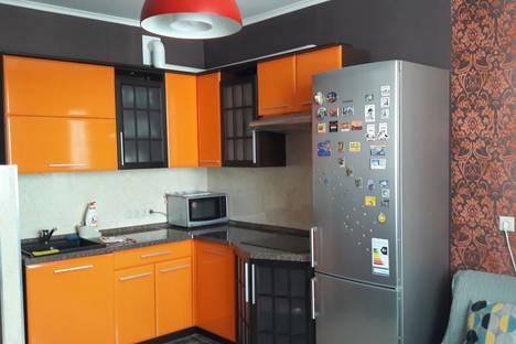 Сдается 2-комнатная квартира посуточно в Люберцах, Комсомольский проспект, дом 8/2.