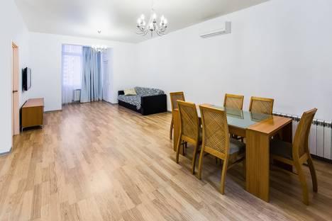 Сдается 3-комнатная квартира посуточно в Сочи, Первомайская улица, 21.