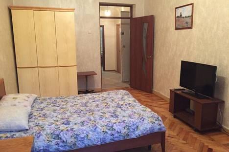 Сдается 1-комнатная квартира посуточнов Волгограде, аллея героев, 5.