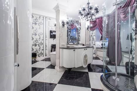 Сдается 2-комнатная квартира посуточно в Санкт-Петербурге, пр. Римского-Корсакова, 93.