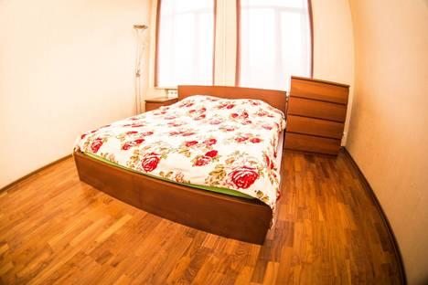 Сдается 1-комнатная квартира посуточно в Выборге, проспект Ленина, 7.